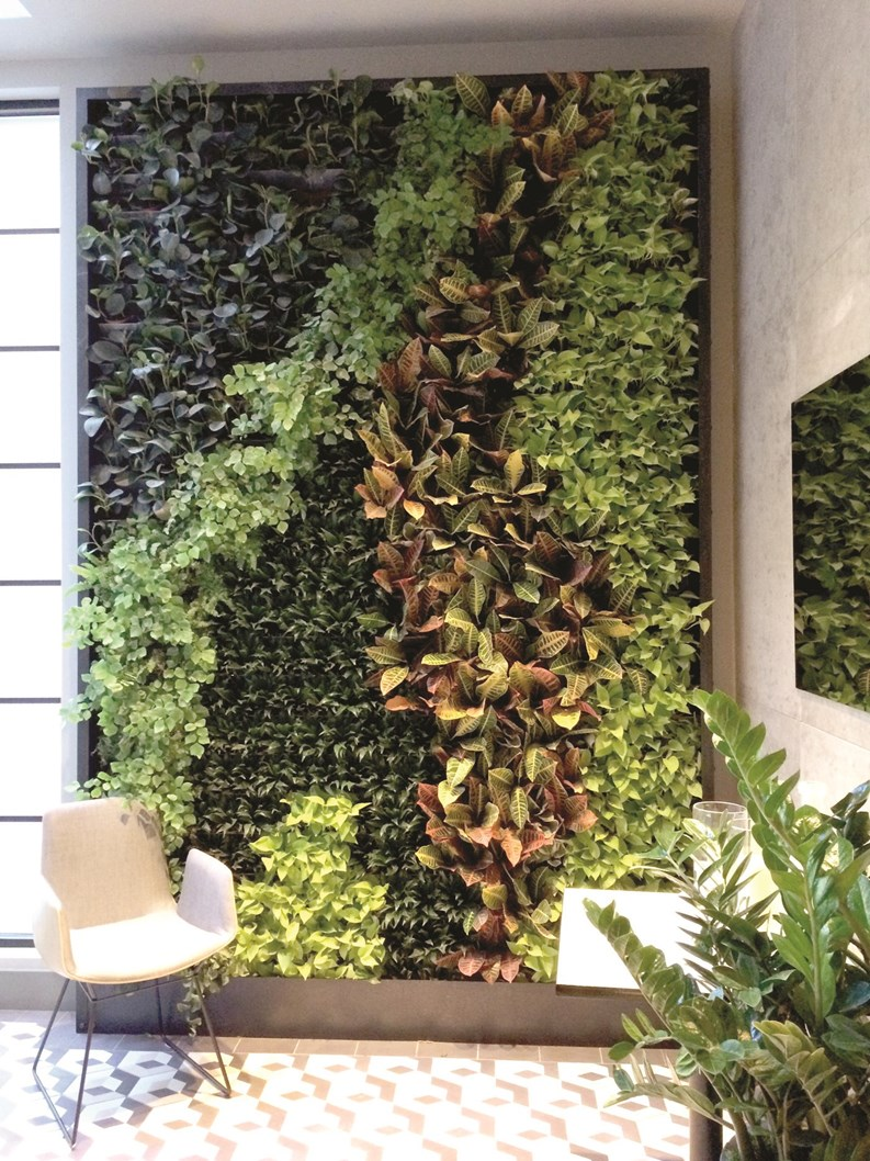 The Hanging Gardens of New York City - Green Walls and Other Spaces ...